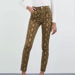 NWT Size 4 Zara Snake Skin Print Skinny Jeans